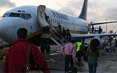 Aeroporto di Pisa, ancora scarsa visibilità e voli dirottati