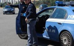 Fermati su un'auto rubata tentano di investire un agente