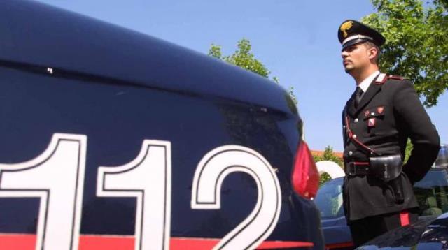 Grave un albanese che ha tentato la fuga da una caserma dei carabinieri