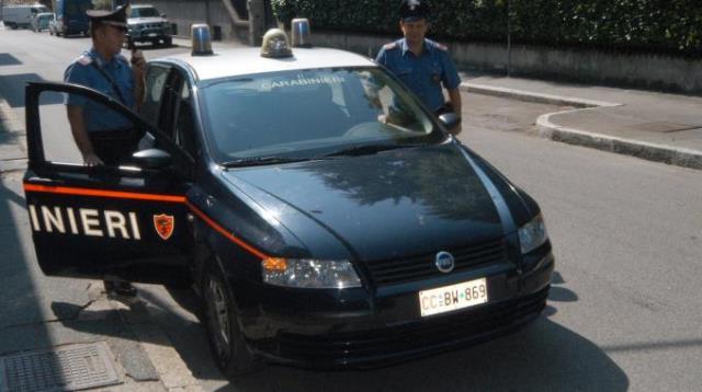 I carabinieri hanno bloccato un estorsore 17enne ed il suo complice