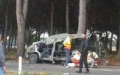 Incidenti stradali, 2 militari morti e 5 feriti in un scontro sull'Aurelia a Pisa