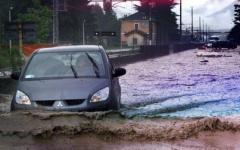Maltempo in Toscana, violenti temporali a Follonica: strada statale Aurelia chiusa