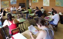 Scuola, Toscana: banchi pieni e cattedre (ancora) semivuote. Avvio delle lezioni gonfio d'incognite