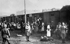 Shoah, alla stazione di Firenze monumento in memoria dei deportati