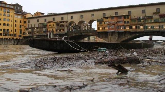 Firenze, la piena dell'Arno