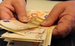 Pisa, la vedova del ristoratore suicida per debiti non chiude il locale