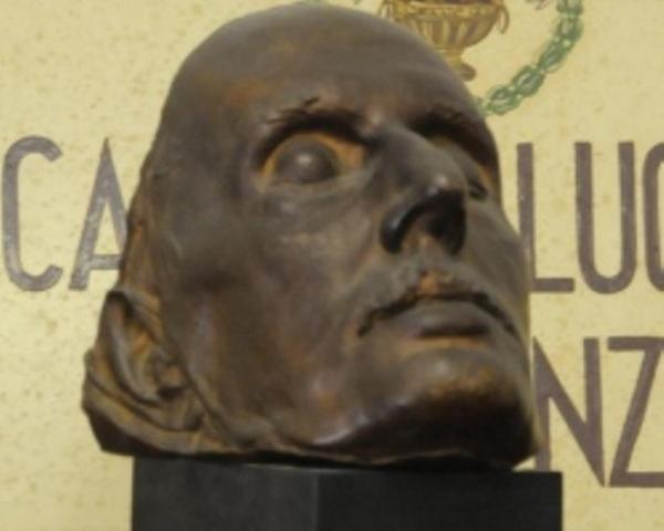 La maschera funebre di Giacomo Puccini