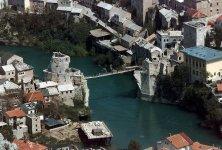 Negli anni '90 il ponte di Mostar distrutto durante la guerra