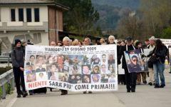 Strage di Viareggio: Delrio attacca il pm che ha chiesto 16 anni per Moretti, poi fa marcia indietro. Protesta dei familiari delle vittime