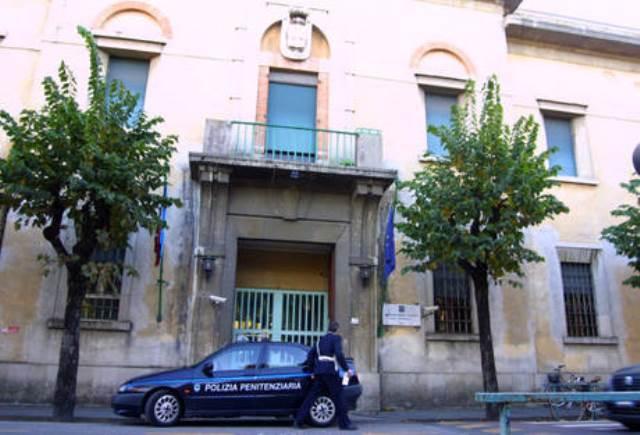 Blitz della polizia per stroncare un traffico di droga nel carcere di Pisa
