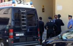 Due morti accoltellati a Massa, nel pomeriggio le autopsie