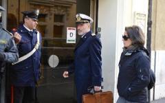 Livorno: De Falco (ultimo giorno da operativo) urla al comandante di un cargo incagliato: «Non ci prenda in giro!»