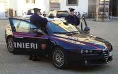 Livorno, ricattano un prete dopo rapporti sessuali: arrestati due gigolò