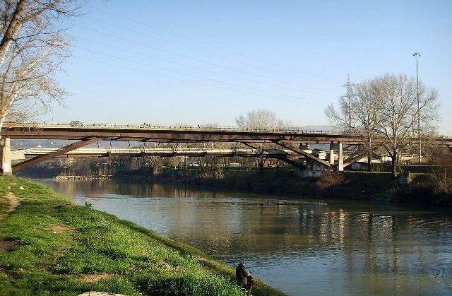 Il luogo del tentato suicidio, l'Arno al Viadotto del Varlungo