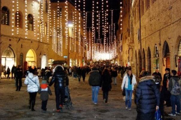 La crisi pesa, meno regali di Natale per gli italiani
