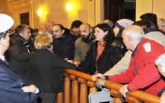 Livorno, vicesindaco al prefetto: «Fermi gli sfratti»