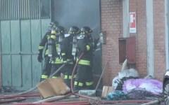 Prato: incendio in fabbrica, un morto e 3 ustionati
