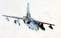 Terrorismo: l'Italia userà i suoi Tornado contro l'Isis (ma servirà il sì del Parlamento)