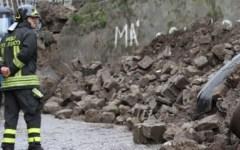 Maltempo: 15 persone isolate a Massa, disagi in Versilia
