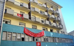 Firenze: la polizia sgombera un edificio occupato da 23 marocchini in via Pistoiese