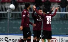 Livorno, vittoria nel match-spareggio col Bologna: 2-1