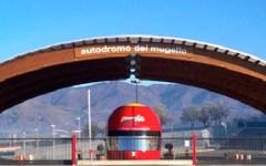 Scarperia, Porsche Carrera Cup: ricordata la strage di Nizza. Pilota francese col lutto al braccio