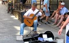 Firenze, via libera agli artisti di strada