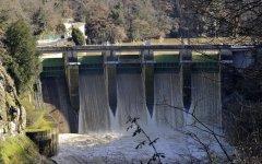 Arno minaccioso, 40 evacuati vicino alla diga di La Penna