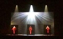 Firenze applaude «Momix Alchemy», quando la danza è sogno