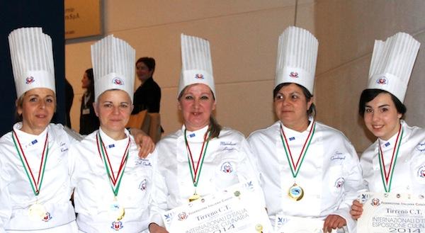 da sinistra Enrica Romani, Susanna Del Cipolla, Marialuisa Lovari, Sara Guadagnoli, Angelica Segatori