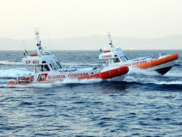 Equipaggio del peschereccio salvato dalla Guardia costiera