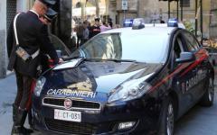 Firenze, vuole mille euro per restituire la borsa: preso