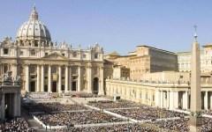 Città del Vaticano, Vatileaks 2: due arresti per fuga di documenti riservati. L'accusa: hanno tradito la fiducia del Papa