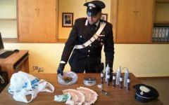Pistoia, perquisito per droga: in casa aveva otto candelotti di esplosivo