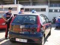 I carabinieri danno la caccia a due magrebini che hanno rapinato due donne