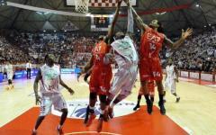 Basket, Pistoia addio playoff. A Milano sconfitta 88-78 da EA7