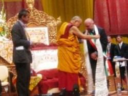 Il Dalai Lama e il sindaco di Livorno, Filippo Nogarin