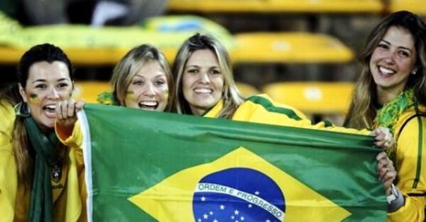 Tifose  a San Paolo, dove si gioca la partita inaugurale dei Mondiali, Brasile-Croazia