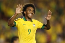 Willian, l'altro candidato a giocare al posto di Neymar nella semifinale Brasile-Germania