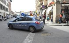 Firenze: paga con una carta clonata, ma nell'oreficeria c'è anche un poliziotto