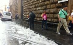 Firenze, bomba d'acqua e tromba d'aria, Nardella lancia l'appello: «In nottata ancora pericolo»