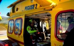Arezzo, boscaiolo trentenne muore in un incidente sul lavoro: è stato travolto da un masso