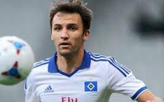 Fiorentina-Schalke 04: diretta tv alle 17 su Sportitalia. Il Milan vuole Badelj. E fra due settimane via con la Juve