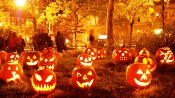 Zucche illuminate per la festa di Halloween