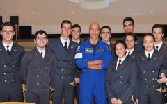 Gli studenti fiorentini all'astronauta Parmitano: «Ti mancava la Terra?»