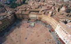 Siena, affittava agli studenti universitari camere già occupate: arrestato