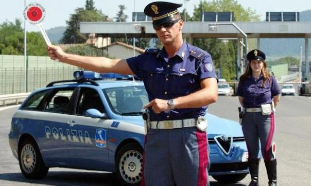 un controllo della Polizia stradale