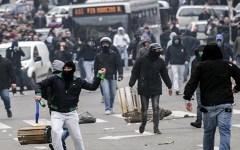 Decreto calcio: Coni e Figc contro Renzi. Che vuole 20 milioni dai club per la sicurezza negli stadi