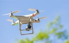 Londra: pericolo droni, a rischio l'atterraggio degli aerei