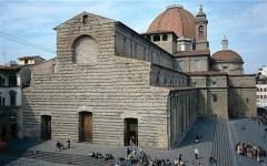 Firenze: abusivismo commerciale, controlli della polizia municipale nella zona di Piazza san Lorenzo